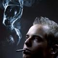 Жена от цигарен дим